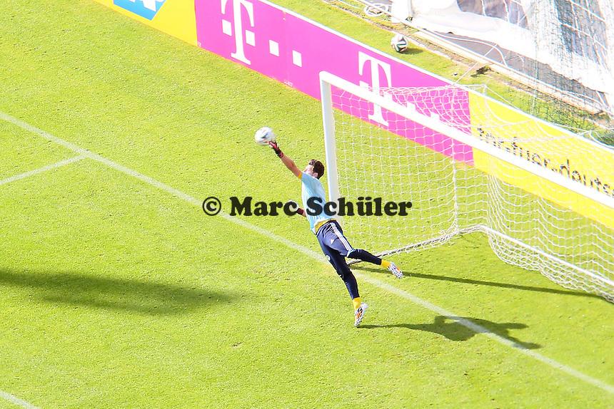 Parade Marius Müller (U20) - Testspiel der Deutschen Nationalmannschaft gegen die U20 im Rahmen der WM-Vorbereitung in St. Martin
