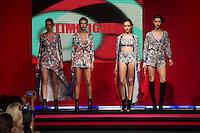 SÃO PAULO-SP-03.03.2015 - INVERNO 2015/MEGA FASHION WEEK -Grife Limelight/<br /> O Shopping Mega Polo Moda inicia a 18° edição do Mega Fashion Week, (02,03 e 04 de Março) com as principais tendências do outono/inverno 2015.Com 1400 looks das 300 marcas presentes no shopping de atacado.Bráz-Região central da cidade de São Paulo na manhã dessa segunda-feira,02.(Foto:Kevin David/Brazil Photo Press)