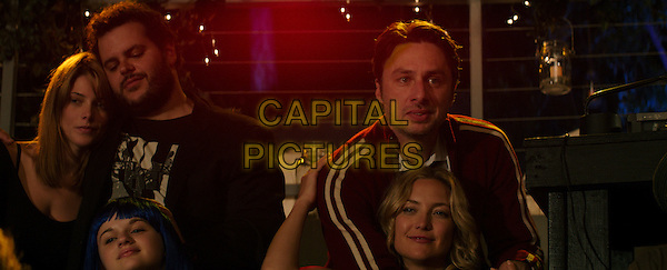 Joey King, Josh Gad, Kate Hudson, Zach Braff<br /> in Wish I Was Here (2014) <br /> *Filmstill - Editorial Use Only*<br /> CAP/NFS<br /> Image supplied by Capital Pictures