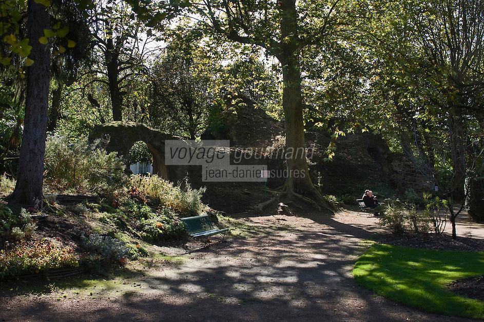 Europe/France/Aquitaine/24/Dordogne/Périgueux: Jardin des arènes et vestiges des arènes