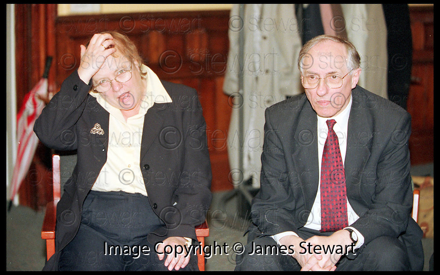 5th Jan 99        ref : 990101.Copyright Pic : James Stewart   .MO MOWLAM AND DONALD DEWAR MEET PEOPLE ON THE NEW DEAL SCHEME DURING THEIR VISIT TO FALKIRK TODAY.....Payments to :-.James Stewart Photo Agency, Stewart House, Stewart Road, Falkirk. FK2 7AS      Vat Reg No. 607 6932 25.Office : 01324 630007        Mobile : 0421 416997.E-mail : JSpics@aol.com.If you require further information then contact Jim Stewart on any of the numbers above.........