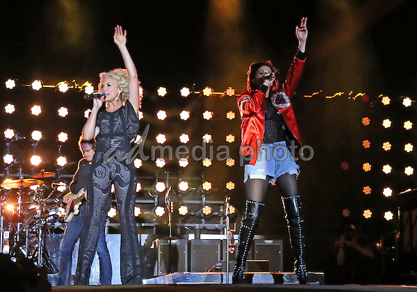 02 October 2016 - Las Vegas, NV -  Little Big Town, Kimberly Schlapman, Karen Fairchild. 2016 Route 91 Harvest Festival, Day 3, at MGM Village.  Photo Credit: MJT/AdMedia
