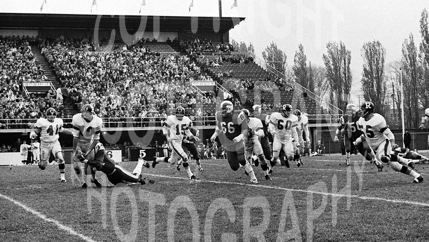 Ottawa Rough Riders Montreal Alouettes 1965. Photo Ted Grant