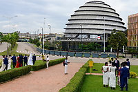 RWANDA, Kigali, Convention Center, spot for film and photoshooting for weeddings  / RUANDA, Kigali, Convention Center, Kongresszentrum , Hochzeitspaare beim Fotoshooting