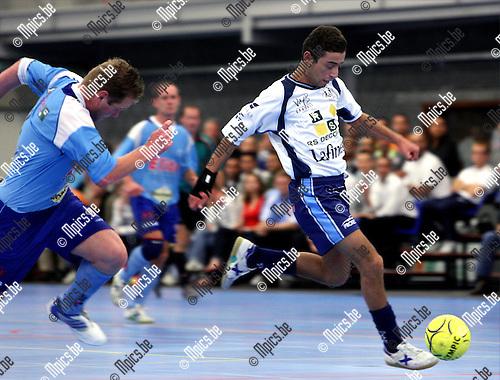 2007-09-21 / Futsal / Edegem - Malle / Ahmed Ajouaou op weg naar een score.