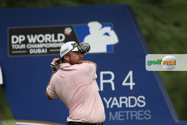 Shane Lowry (IRL) on the 16th tee during the 3rd round of the DP World Tour Championship, Jumeirah Golf Estates, Dubai, United Arab Emirates. 17/11/2018<br /> Picture: Golffile | Fran Caffrey<br /> <br /> <br /> All photo usage must carry mandatory copyright credit (&copy; Golffile | Fran Caffrey)