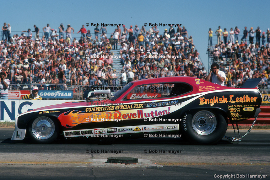 INDIANAPOLIS, INDIANA: Ed McCulloch approaches the starting line during the 1976 NHRA US Nationals in Indianapolis, Indiana.