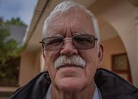 Jack Swart, der letzte Gefängniswächter von Nelson Mandela, vor dem Haus im Drakenstein-Gefängnis in der Nähe von Paarl,