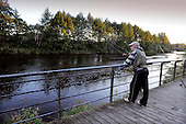Dalmarnock Bridge fishermen - Chas Owen waitng patiently for a bite - (for SoS, Peter Ross at Large) - 16.9.10 - Picture by Donald MacLeod - mobile 07702 319 738 - clanmacleod@btinternet.com