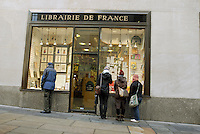 The Librairie de France in Rockefeller Center in New York on Monday, January 12, 2009.  The french bookstore, which has been in this location since 1935, will be leaving in September 2009 in a rent dispute with the landlord of the center, Tishman Speyer. The bookseller's rent is to go from $360,000 per annum to $1 million. (© Richard B. Levine)