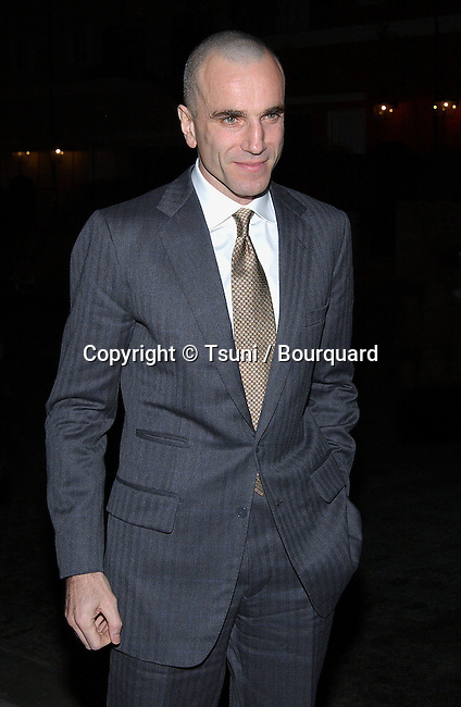 Daniel Day Lewis arriving at the Los Angeles Film Critic Association, the 28th Annual Awards at the Casa Del sol in Los Angeles. January 15. 2003             -            LewisDanielDay57.jpg