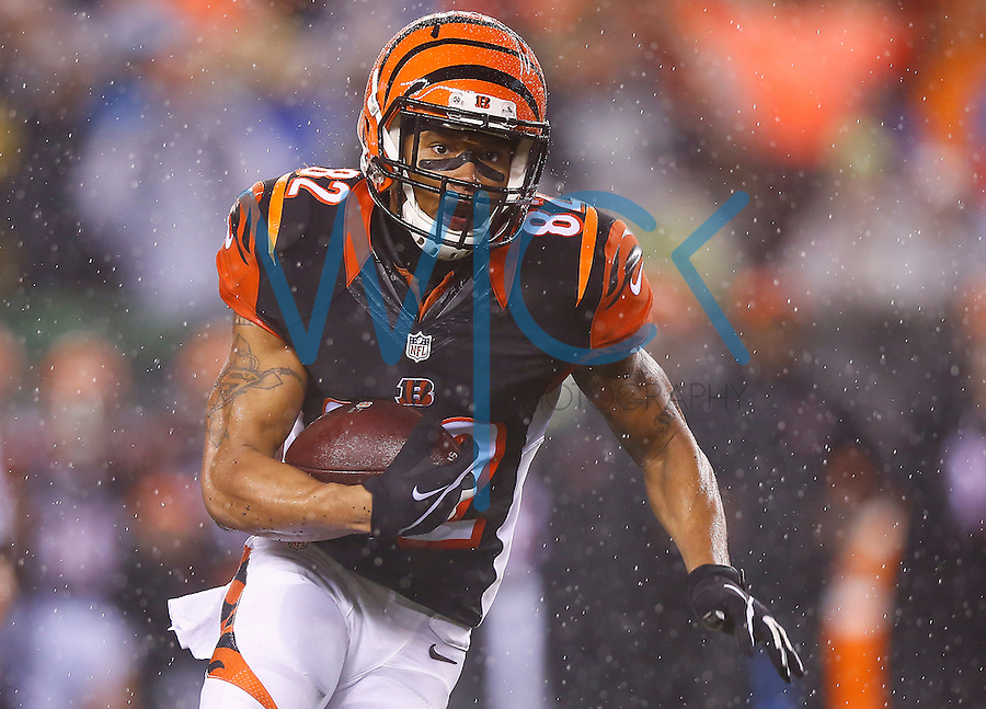 Marvin Jones #82 of the Cincinnati Bengals in action against the Pittsburgh Steelers during the Wild Card playoff game at Paul Brown Stadium on January 9, 2016 in Cincinnati, Ohio. (Photo by Jared Wickerham/DKPittsburghSports)