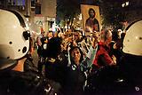 Proteste gegen eine Ausstellung mit homosexuellen Themen in Belgrad/ Protests aginst a exhibition