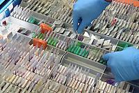 - Milano, IFOM (Istituto FIRC di Oncologia Molecolare), laboratorio di ricerca, banca campioni di tessuto malato....- Milan, IFOM (Institute FIRC of Molecular Oncology), search laboratory, bank of champions of sick tissue