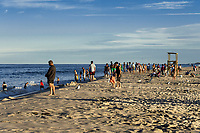 Crowd at the Nauset Beach, Cape Cod National Sea Shore, Massachusetts, USA.