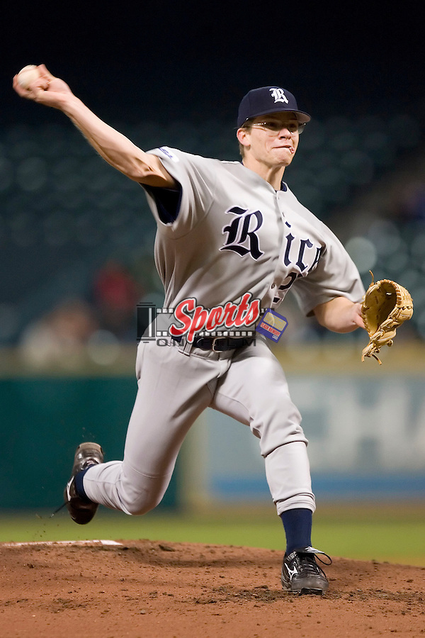 Rice freshman Ryan Berry (28) delivers a pitch versus Baylor at the 2007 Houston College Classic at Minute Maid Park in Houston, TX, Saturday, February 10, 2007.  The Owls  defeated the Bears 7-0.