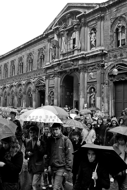 milano, manifestazione degli studenti del'università statale contro la riforma dell'istruzione --- milan, demonstration of the students of the state university against the school reform