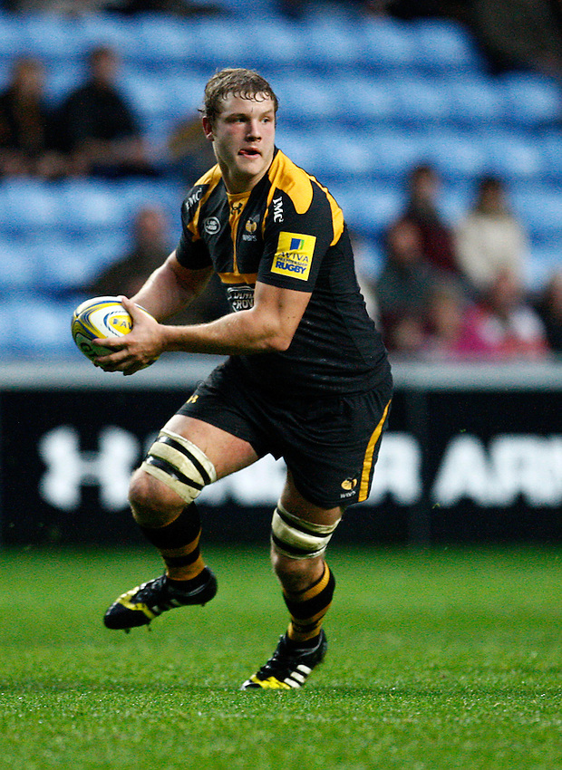 Photo: Richard Lane/Richard Lane Photography. Wasps. v Gloucester Rugby.  Aviva Premiership. 08/11/2015.  Wasps' Joe Launchbury attacks.