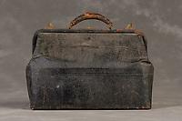 Willard Suitcases / James Mc / ©2014 Jon Crispin