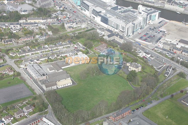 Aerial view of Drogheda showing Scotch Hall, Fatima, Mary Street...Photo NEWSFILE/Fran Caffrey.(Photo credit should read Fran Caffrey/NEWSFILE)....This Picture has been sent you under the condtions enclosed by:.Newsfile Ltd..The Studio,.Millmount Abbey,.Drogheda,.Co Meath..Ireland..Tel: +353(0)41-9871240.Fax: +353(0)41-9871260.GSM: +353(0)86-2500958.email: pictures@newsfile.ie.www.newsfile.ie.FTP: 193.120.102.198...This picture is from Fran Caffrey@newsfile.ie