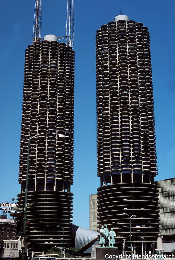Chicago: Marina City, 1964-1967. Bertrand Goldberg, Arch. Photo '76.