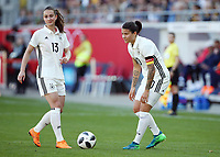 Sara Daebritz, Dzsenifer Marozsan vor Freistoss  <br /> /   World Championships Qualifiers women women /  2017/2018 / 07.04.2018 / DFB National Team / GER Germany vs. Czech Republic CZE 180407037 / <br />  *** Local Caption *** © pixathlon<br /> Contact: +49-40-22 63 02 60 , info@pixathlon.de