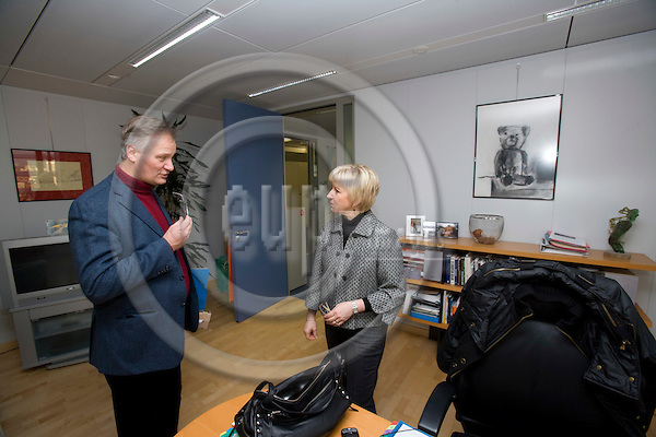 BRUSSELS - BELGIUM - 06 FEBRUARY 2009 -- The Swedish EU Commissioner Margot WALLSTRÖM talking with her head of cabinet Christian LEFFLER in her office. Photo: Erik Luntang/EUP-IMAGES