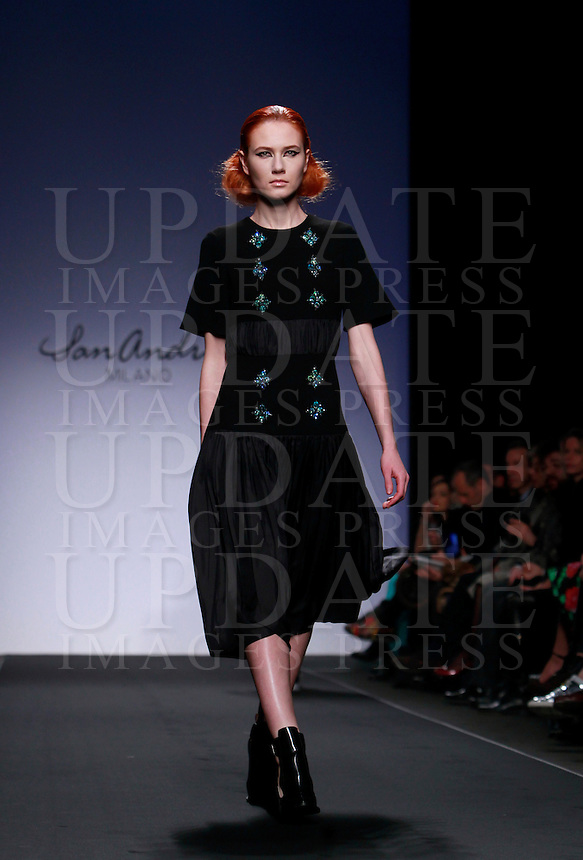 Una modella veste una creazione della collezione Autunno Inverno 2014-2015 di San Andres Milano durante la rassegna Altaroma, a Roma, 26 gennaio 2014.<br /> A model wears a creation by San Andres Milano's Autumn Winter 2014-2015 collection at the Altaroma fashion week in Rome, 26 January 2014.<br /> UPDATE IMAGES PRESS/Isabella Bonotto