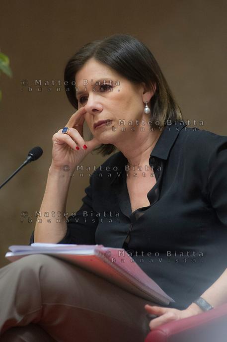 PRESENTAZIONE DEL LIBRO &quot;LO SGUARDO LONTANO&quot; DI LAURA BOLDRINI NELLA FOTO LA DIRETTRICE DEL TG3 BIANCA BERLINGUER CULTURA CASTENEDOLO 08/05/2015 FOTO MATTEO BIATTA<br /> <br /> PRESENTATION OF THE BOOK &quot;LO SGUARDO LONTANO&quot; BY LAURA BOLDRINI IN THE PICTURE THE DIRECTOR OF TG3 BIANCA BERLINGUER CULTURE CASTENEDOLO 08/05/2015 PHOTO BY MATTEO BIATTA