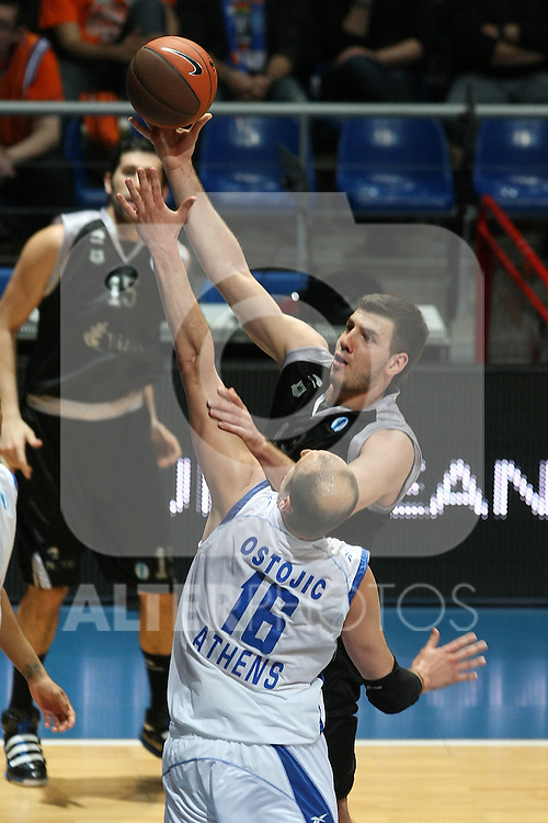Bizkaia Bilbao Basket's Marko Banic (r) and Panellinios Opap BC's Djuro Ostojic during Eurocup Basketball Consolation Final match. April 18, 2010. (ALTERPHOTOS/Acero)