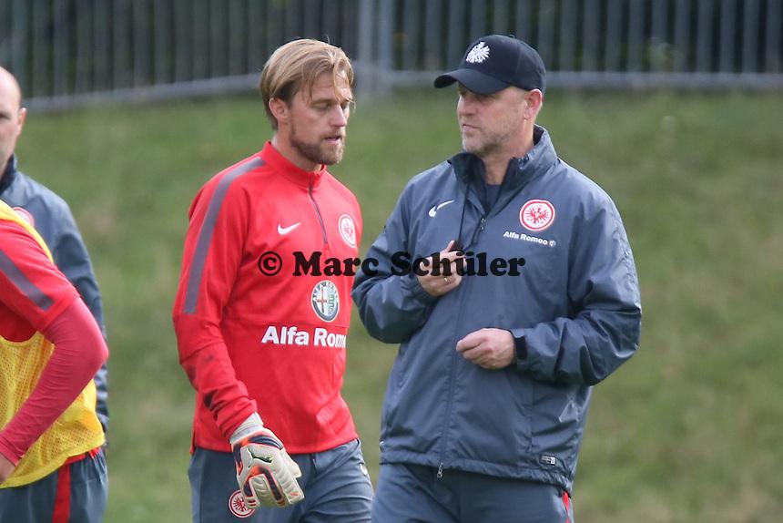 Timo Hildebrand (Eintracht) mit Trainer Thomas Schaaf - Eintracht Frankfurt Training, Commerzbank Arena