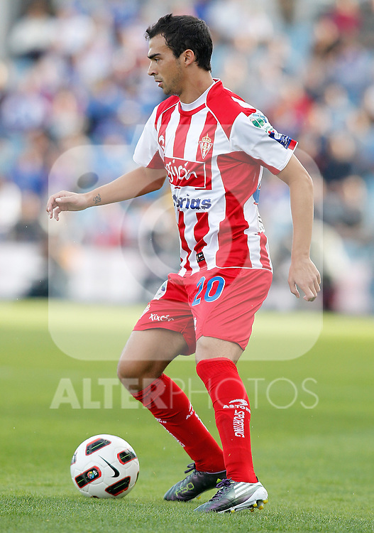 Sporting de Gijon's Miguel de las Cuevas during La Liga match. October 24, 2010. (ALTERPHOTOS/Alvaro Hernandez)