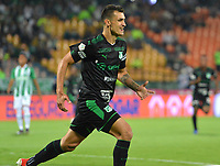 MEDELLÍN - COLOMBIA ,20-03-2019:Juan Ignacio Dinenno jugador del Deportivo Cali  celebra  después de anotar un gol al Atlético Nacional  durante partido por la fecha 7 de la Liga Águila I 2019 jugado en el estadio Atanasio Girardot de la ciudad de Medellín. /Juan Ignacio Dinennoplayer of Deportivo Cali  celebrates after scoring the goal agaisnt  of Atlético Nacional during the match for the date 7 of the Liga Aguila I 2019 played at the Atanasio Girardot  Stadium in Medellin  city. Photo: VizzorImage / León Monsalve / Contribuidor.
