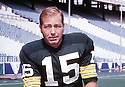 Green Bay Packers Bart Starr (15) portrait. Bart Starr was inducted to the Pro Football Hall of Fame in 1977.