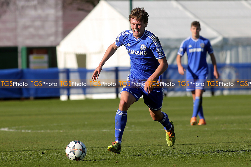 John Swift of Chelsea - Chelsea Under-19 vs FC Schalke 04 Under-19 - UEFA Youth League Football at Chelsea FC Cobham Training Ground, Surrey - 18/09/13 - MANDATORY CREDIT: Paul Dennis/TGSPHOTO - Self billing applies where appropriate - 0845 094 6026 - contact@tgsphoto.co.uk - NO UNPAID USE