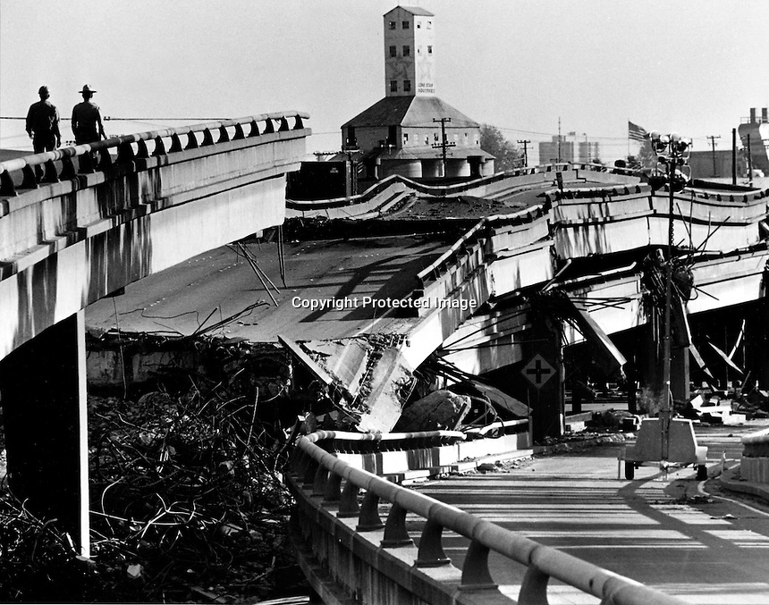 CYPRESS FREEWAY COLLAPSE: The Loma Prieta 7.1 Earthquake hit the Bay Area Oct 17,1989 collapsing the double-decker I-880 Cypress Freeway in West Oakland, Ca killing 43 people. (1989 photo by Ron Riesterer)