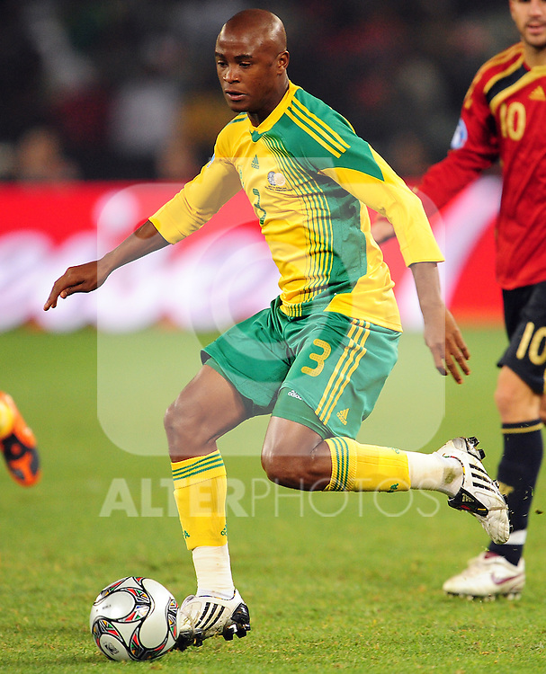 Tsepo Masilela  during the soccer match of the 2009 Confederations Cup between Spain and South Africa played at the Freestate Stadium,Bloemfontein,South Africa on 20 June 2009.  Photo: Gerhard Steenkamp/Superimage Media.