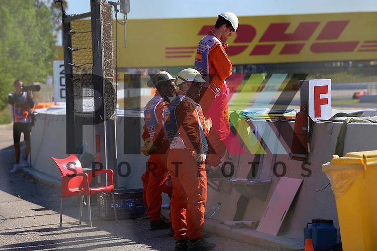 Barcelona, 10.05.15, Motorsport, GP Spanien 2015 : Streckenposten<br /> <br /> Foto &copy; P-I-X.org *** Foto ist honorarpflichtig! *** Auf Anfrage in hoeherer Qualitaet/Aufloesung. Belegexemplar erbeten. Veroeffentlichung ausschliesslich fuer journalistisch-publizistische Zwecke. For editorial use only.