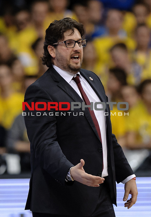 12.04.2015, EWE Arena, Oldenburg, GER, Beko BBL Top Four, Finale, Brose Baskets vs EWE Baskets Oldenburg, im Bild Andrea Trinchieri (Trainer Brose Baskets)<br /> <br /> Foto &copy; nordphoto / Frisch