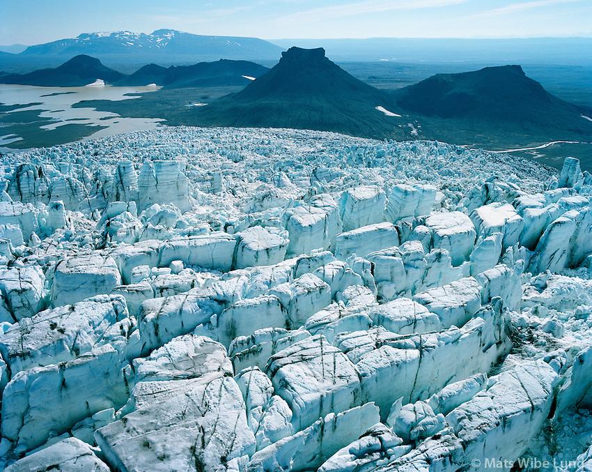 Hagafellssjökull séð til austurs, Jarlhettur, en Bláfell í baksýni t.h. Biskipstungnaafrétt Hálendið / Hagafellsjokull glacier viewing east. Jarlhetter and in background left: Blafell. Biskipstungnaafrett, Highlands.