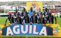TUNJA - COLOMBIA, 07-10-2018: Jugadores del Chicó posan para una foto previo al encuentro entre Boyacá Chicó FC y América de Cali por la fecha 13 Liga Águila II 2018 realizado en el estadio La Independencia en Tunja. / Players of Chico pose to a photo prior a match between Boyaca Chico FC and America de Cali for the date 13 of Aguila League II 2018 played at La Independencia stadium in Tunja. Photo: VizzorImage / Jose Miguel Palencia / Cont
