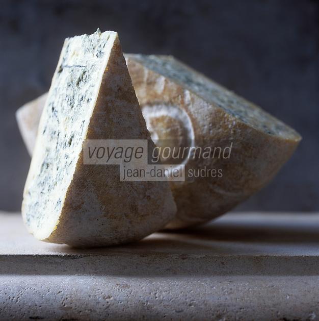 Europe/France/Rhône-Alpes/01/Ain/ Chézery-Forens: Bleu de Gex de la Fromagerie de l'Abbaye  - Stylisme : Valérie LHOMME