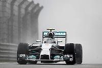 SHANGAI, CHINA, 19.04.2014 - GP DA CHINA - TREINO CLASSIFICATORIO - O piloto alemao Nico Rosberg da equipe Mercedes AMG Petronas F1 Team durante o treino classificatório para o Grande Prêmio da China de Fórmula 1 no Circuito Internacional de Xangai, neste sábado(19). Hamilton ficou com a pole position com o tempo de 1min53s860 (Foto: Pixathlon / Brazil Photo Press).
