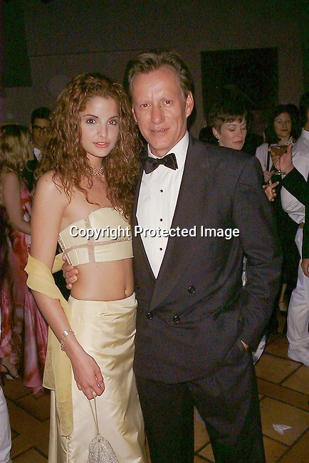 Alexis Thorpe &amp; James Woods<br />