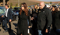 Fabiola Sciabbarassi <br /> i funerali    Pino Daniele al santuario del divino amore di Roma