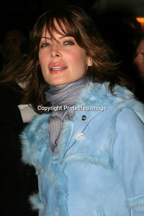 """©2003 AURA BLANDINO/HUTCHINS PHOTO.""""STUCK ON YOU"""" NEW YORK PREMIERE.CLEARVIEW CHELSEA WEST THEATRE, NEW YORK , NY.DECEMBER 8, 2003.LARA FLYNN BOYLE"""