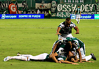 PALMIRA-COLOMBIA, 24-10-2019: Jugadores de Deportivo Cali, celebran el gol anotado Once Caldas, durante partido entre Deportivo Cali y Once Caldas de la fecha 19 por la Liga Águila II 2019  jugado en el estadio Deportivo Cali (Palmaseca) de la ciudad de Palmira. / Players of Deportivo Cali celebrate the scored goal to Once Caldas, during a match between Deportivo Cali and Once Caldas of the 19th date for the Aguila Leguaje II 2019 played at the Deportivo Cali (Palmaseca) stadium in Palmira city. Photo: VizzorImage / Nelson Ríos / Cont.
