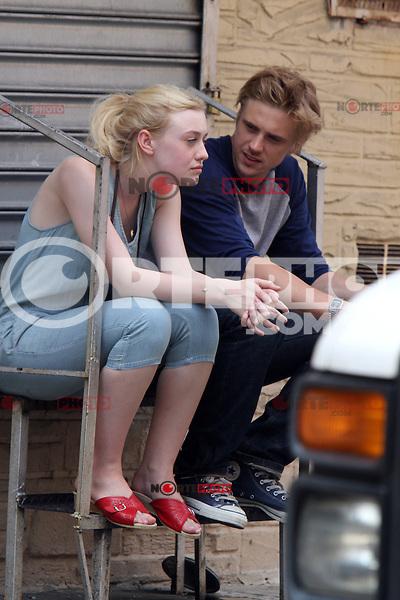 NEW YORK CITY- July 03, 2012: Dakota Fanning and Boyd Holbrook shooting on location for the new film, Very Good Girls. © RW/MediaPunch Inc. *NORTEPHOTO*<br /> **SOLO*VENTA*EN*MEXICO**<br /> **CREDITO*OBLIGATORIO** <br /> **No*Venta*A*Terceros**<br /> **No*Sale*So*third**<br /> *** No*Se*Permite*Hacer*Archivo**<br /> **No*Sale*So*third**