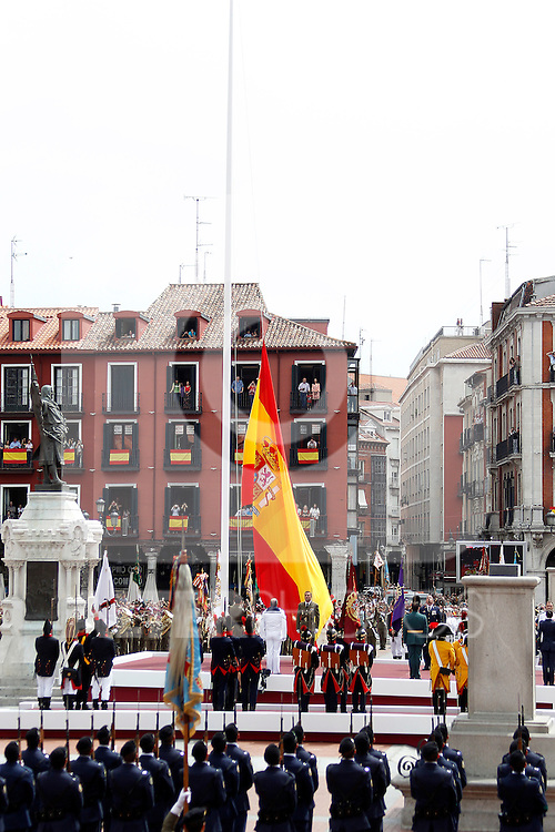 Tribute to the national flag os Spain during a military parade marking the Armed Forces Day in the Mayor Square of Valladolid.June 2, 2012.(ALTERPHOTOS/Acero)