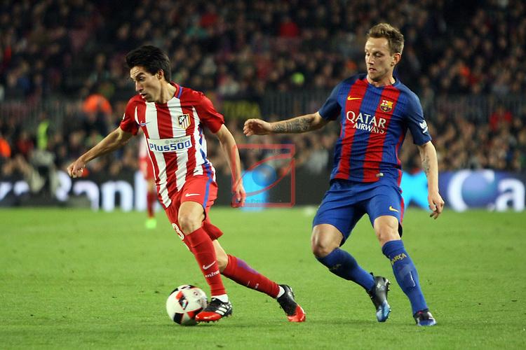 Copa del Rey 2016/2017 - Semifinal vuelta.<br /> FC Barcelona vs Atletico Madrid: 1-1.<br /> Nico Gaitan vs Rakitic.
